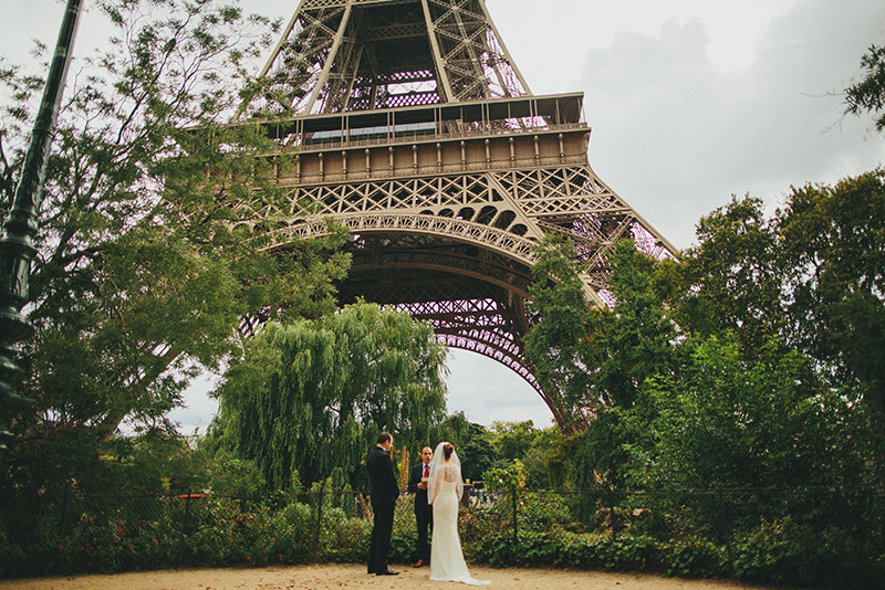 wedding eiffel tower paris france