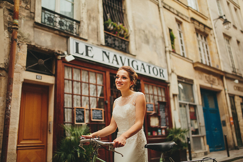 Paris wedding bride bike