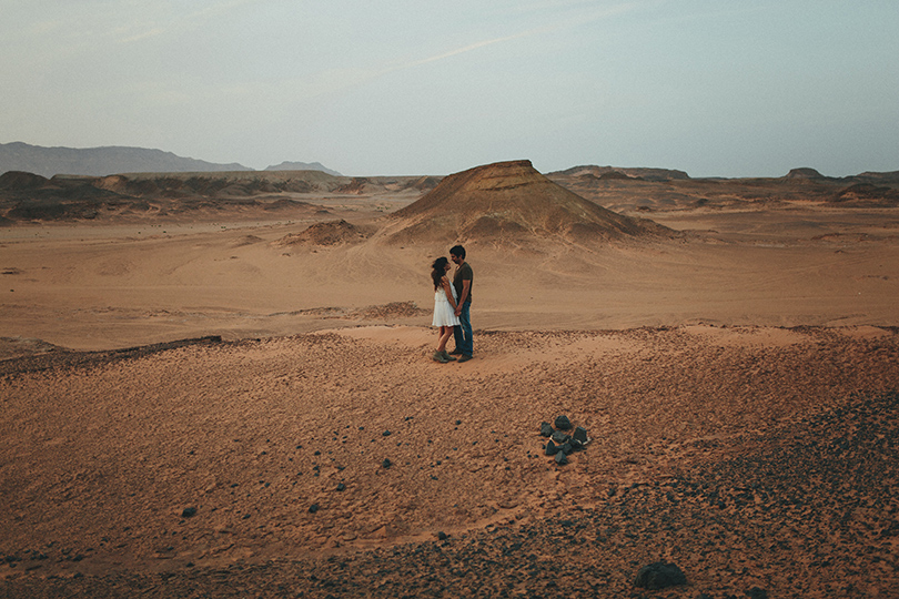 egypt desert engagement photographer