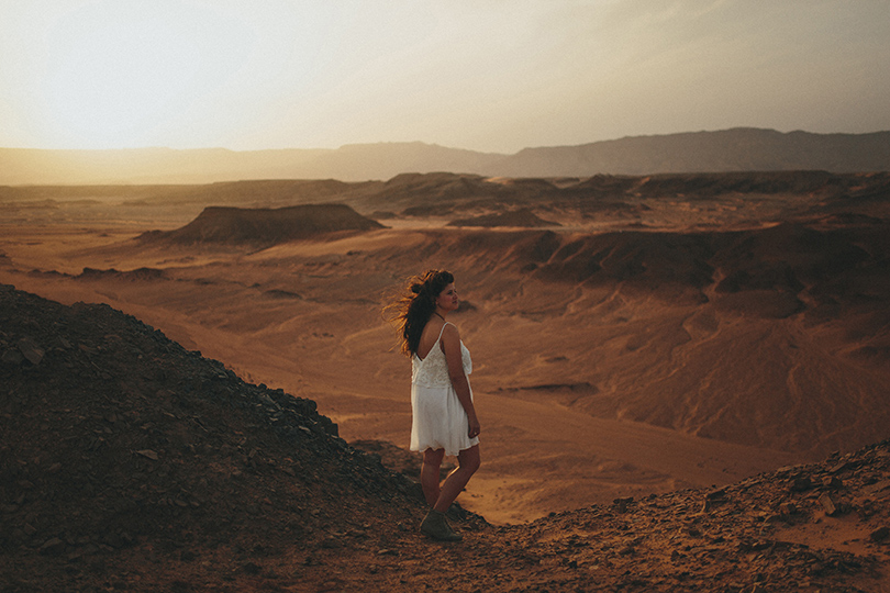 egypt desert engagement photographer session