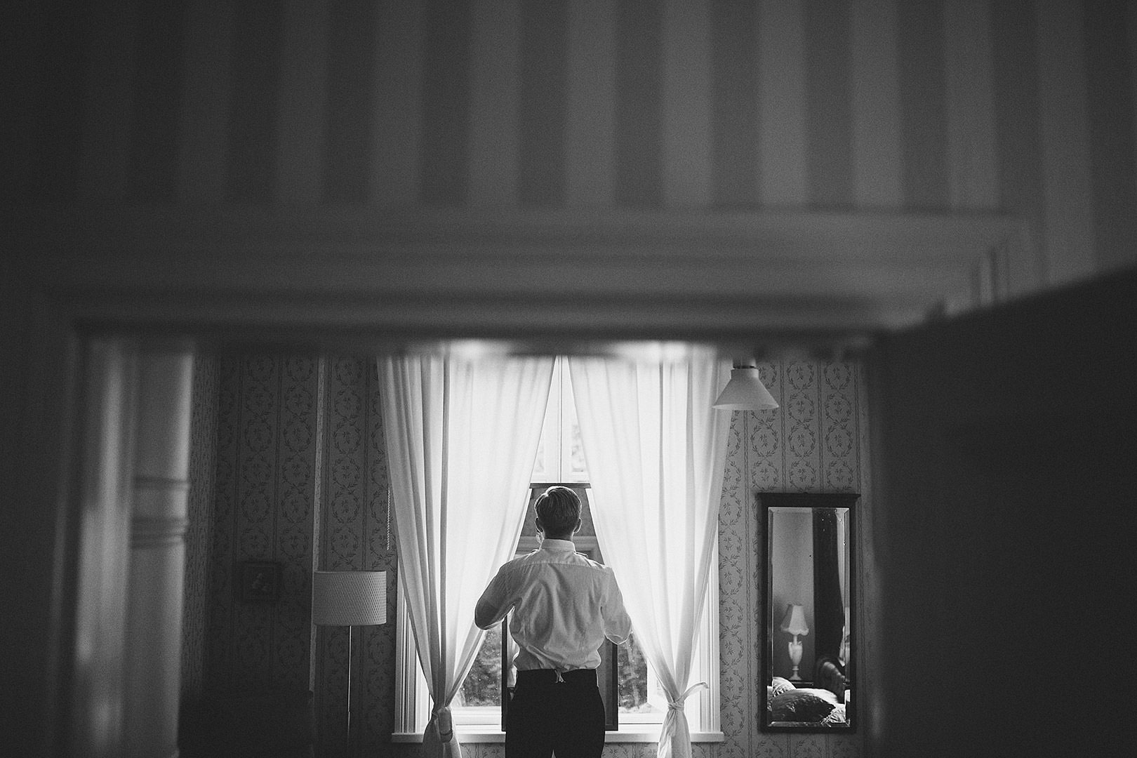 getting ready wedding groom